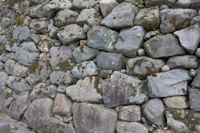 白石城の野づら積みの画像