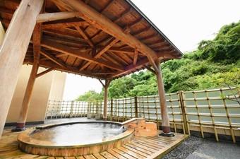 すゞきや(すずきや)旅館の檜風呂の画像
