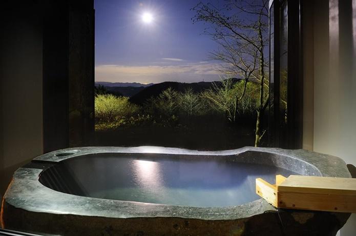 観山聴月の温泉の画像