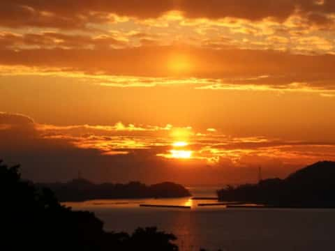 双観山の朝日