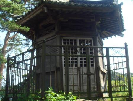 雄島 賴賢の碑
