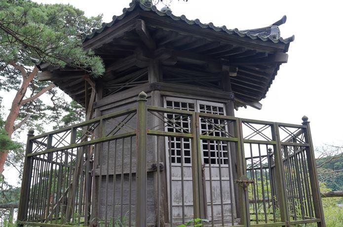 雄島 頼賢の碑