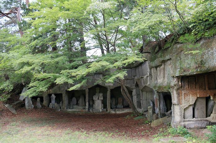 松島雄島の 岩窟群