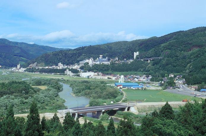 00490-鳴子温泉-遠景-日本こけし館から