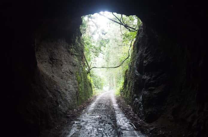 震洋の隠されたトンネル