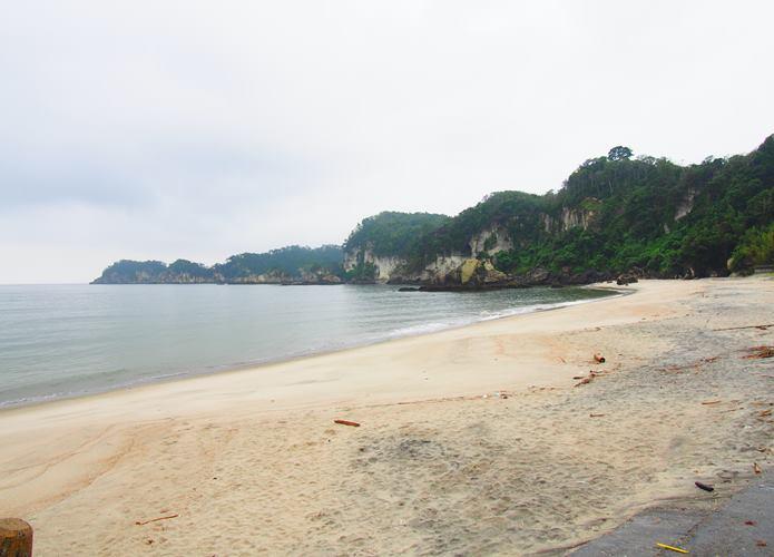 室浜漁港 海岸