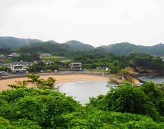 稲ヶ﨑公園からみた月浜海岸