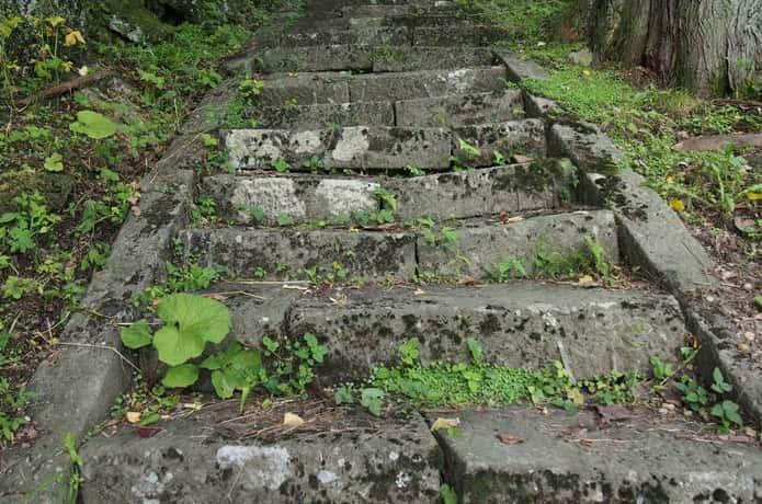穴薬師 階段