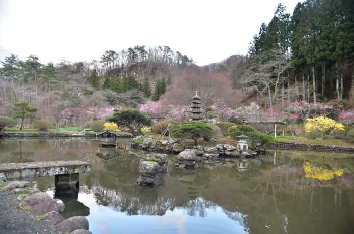 湯元小屋館跡自然庭園