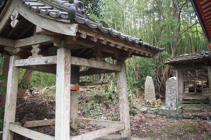 田代島 稲荷神社 鐘楼