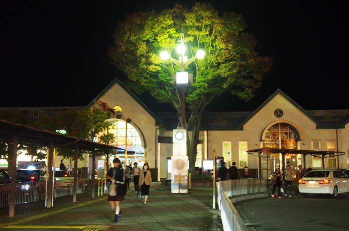 夜の石巻駅