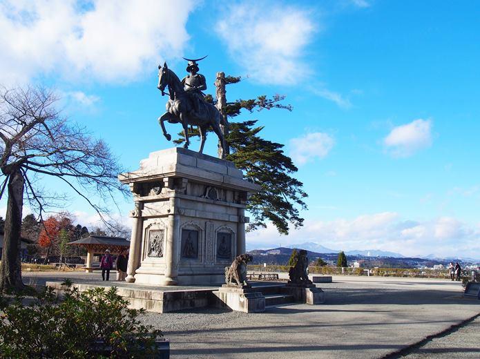 仙台城 伊達政宗騎馬像