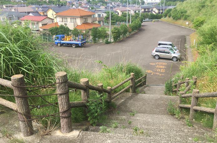 雷神山古墳の駐車場